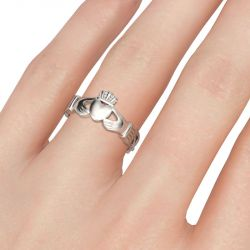 Jeulia Alianza Simple De Acero Inoxidable Claddagh Para Hombre